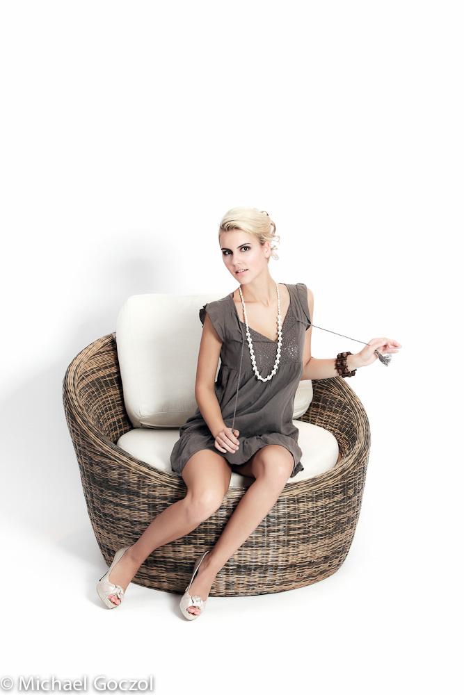 covergirl shooting gie en 2010 1 staffel. Black Bedroom Furniture Sets. Home Design Ideas