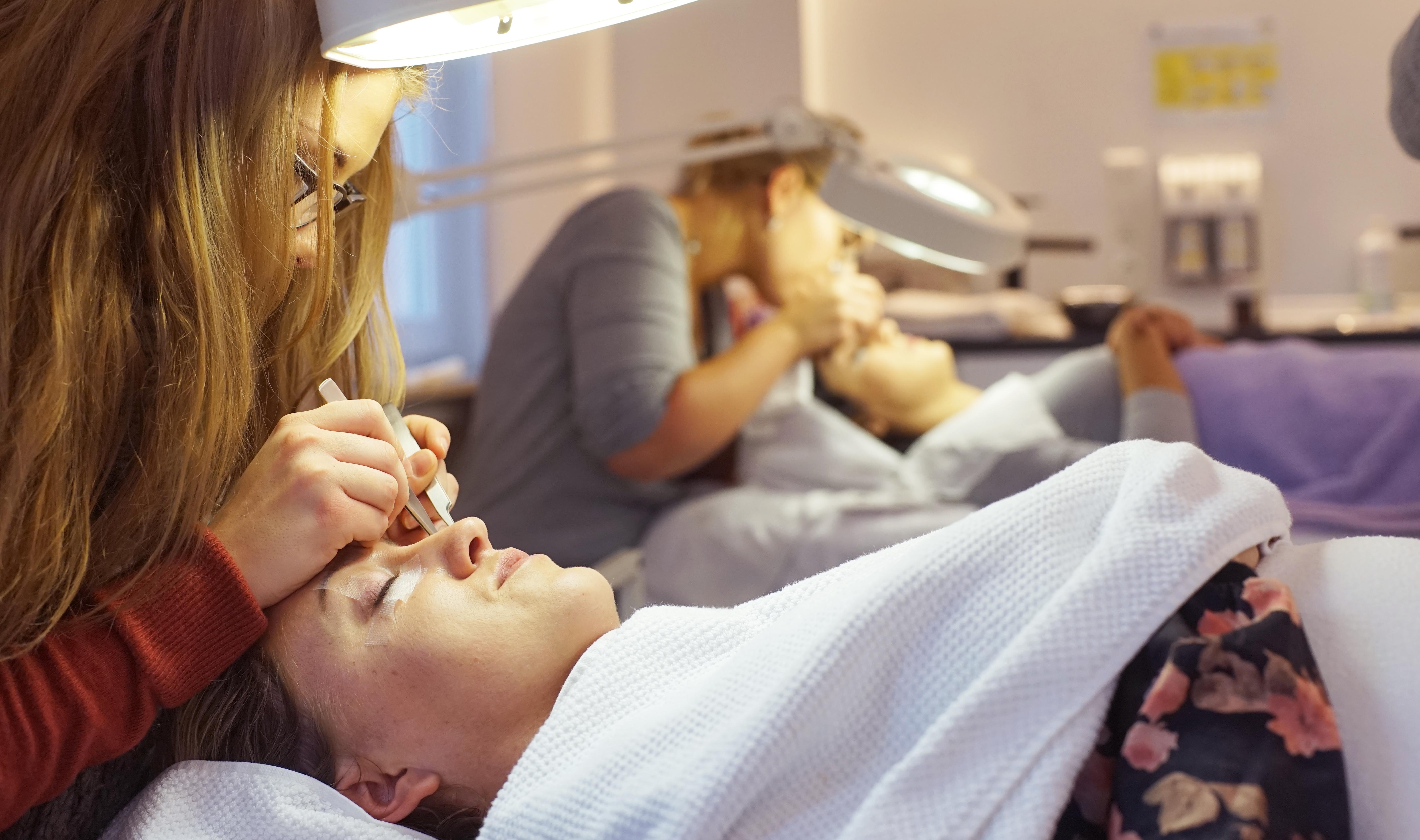 Eye lashes 06 - Ausbildung - Kosmetikschule Schäfer