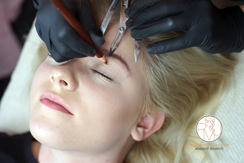 Microblading Ausbildung 01- Kosmetikschule Schäfer - PMU Schäfer 36
