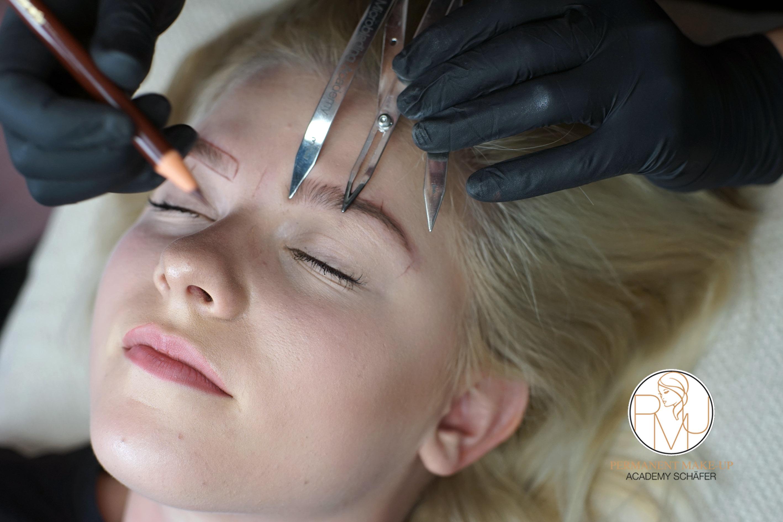 Microblading Ausbildung 02 - Kosmetikschule Schäfer - PMU Schäfer 36
