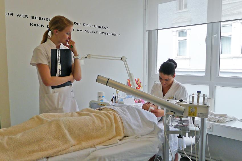 Kosmetikschule Schäfer 112 Kosmetikausbildung
