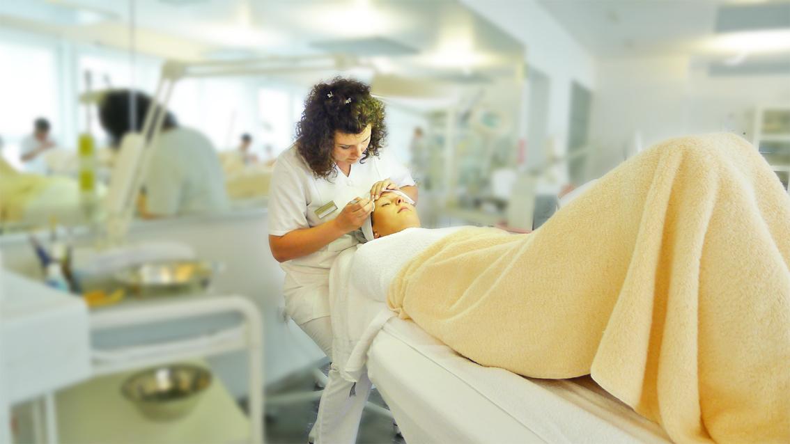 Kosmetikschule Schäfer 130 Kosmetikausbildung